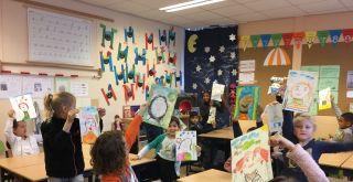 Kunstenaar in de klas van de SKVR