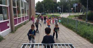Buitenspelen met de hele klas: een spel